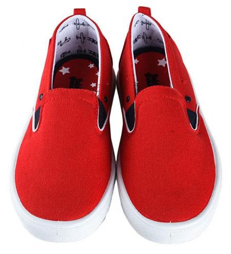 Merk Sepatu Anak Laki-laki Terbaik